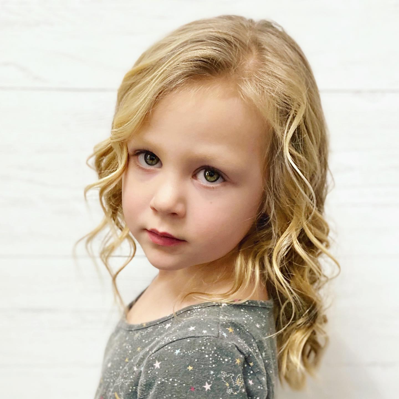 Los mejores cortes de pelo largo niña 2021 para Primavera Verano